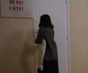 """Laura De Marchi should have minded this sign in Lucio Fulci's """"The Beyond"""" (1981)"""
