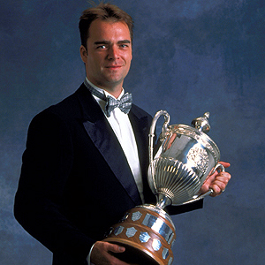 Curtis Joseph with the King Clancy Memorial Trophy